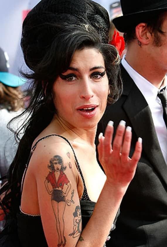 Cool  Girl Tattoo On Shoulder