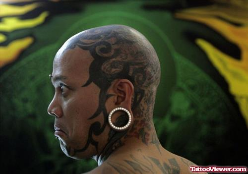 Extreme Tribal Tattoo On Head